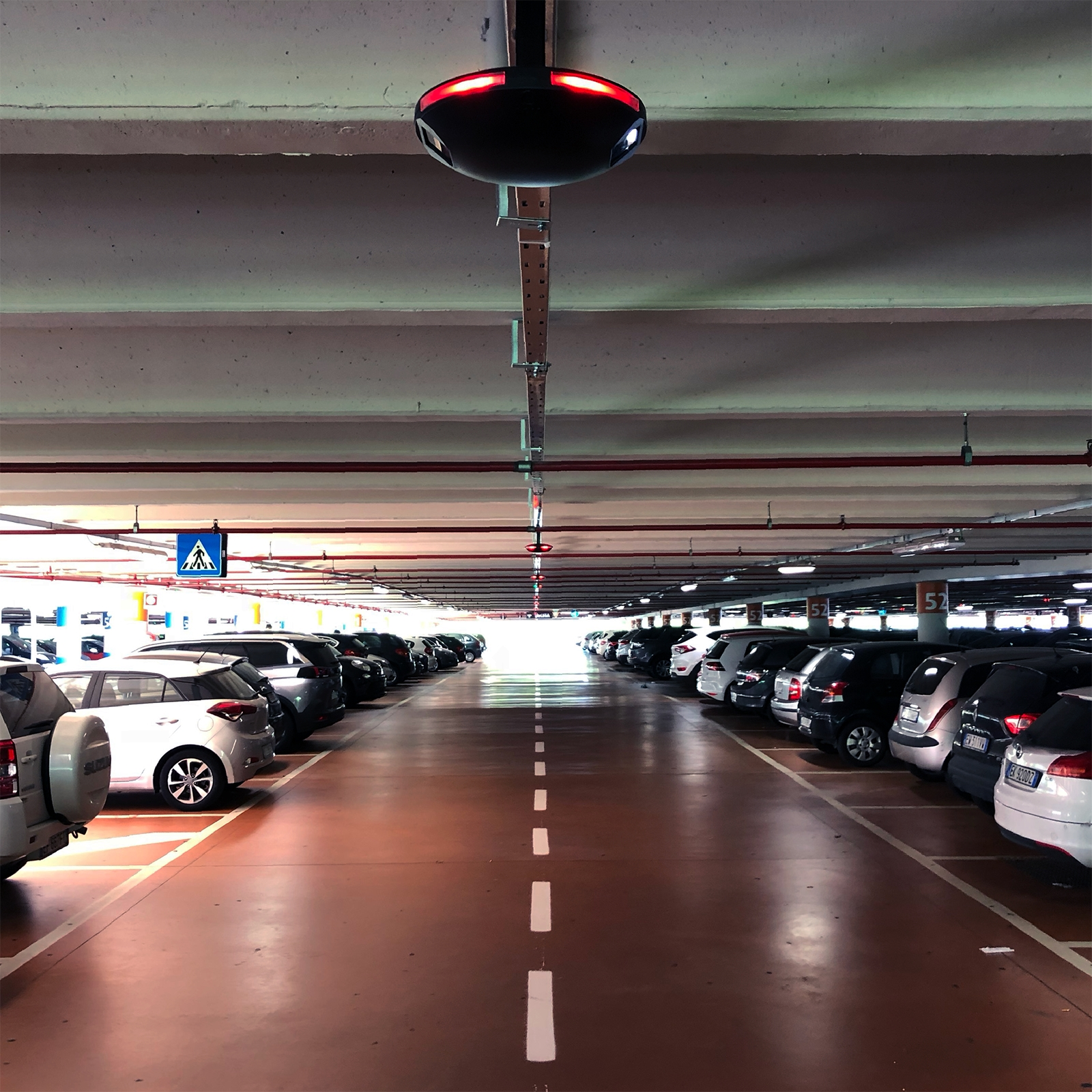 SHOPPING MALL [IL CENTRO] of ARESE | the most complete parking guidance system Agla Group